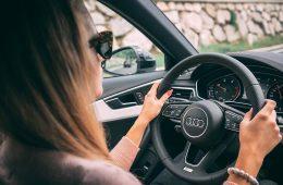Een auto nieuw of tweedehands kopen?